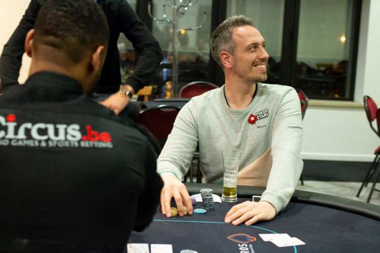 Lex Veldhuis plays the FU Friday Flip